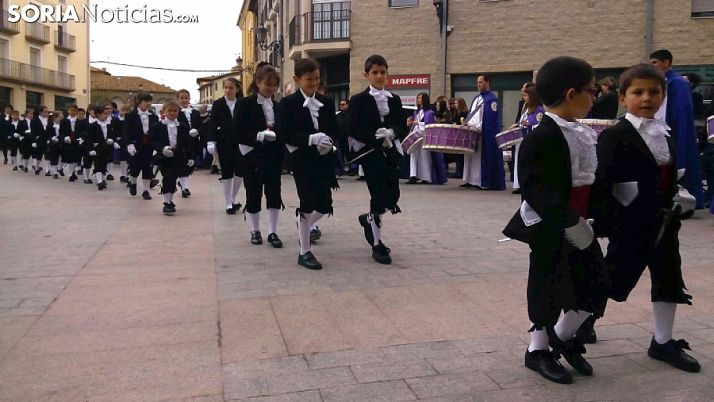 Los 'Alumbrantes' de la Vera Cruz en la Semana Santa agredeña. /SN