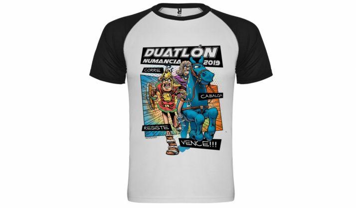Foto 1 - Este domingo, el Duatlón de Numancia y el Triatlón Soriano venderán camisetas por la seguridad vial