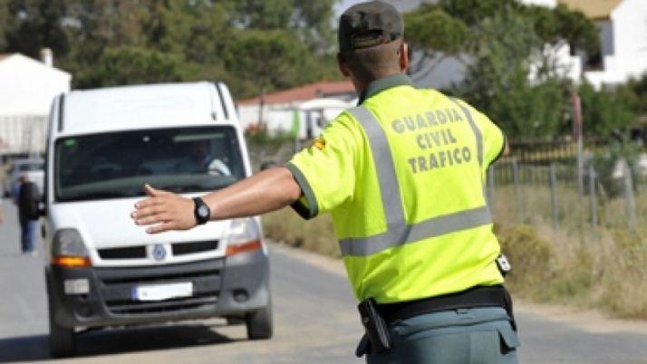 Foto 1 - Tráfico intensifica de la vigilancia a camiones, autobuses y furgonetas