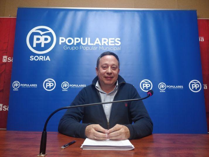 Adolfo Saínz en rueda de prensa. SN