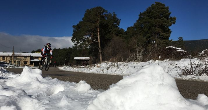 La borrasca Helena obligó a modificar el triatlón de invierno de Vinuesa.