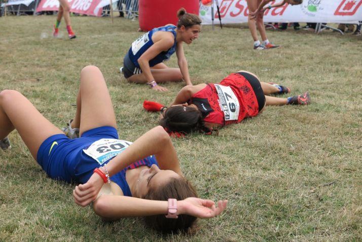 Marta Pérez, sobre el suelo de Valonsadero durante el XV Cross de Soria. Federación Atletismo de Castilla y León
