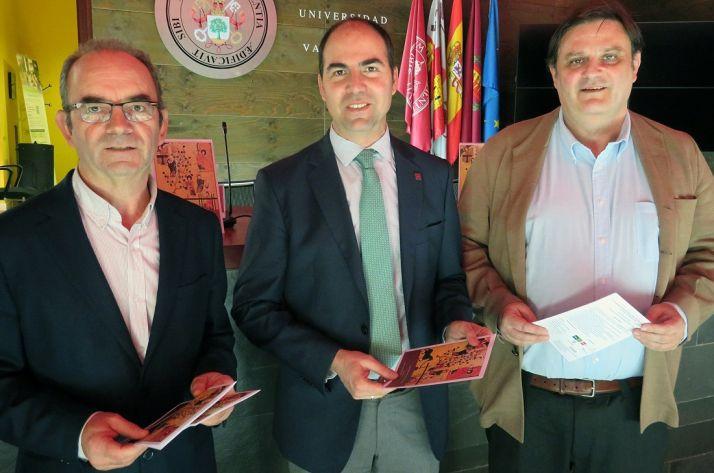 Miguel Ibáñez (izda.), Oscar Martínez y José Luis Ruiz este lunes.