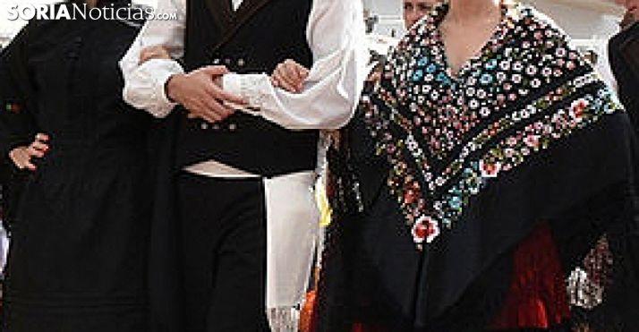 Vestimentas populares de la provincia. /SN