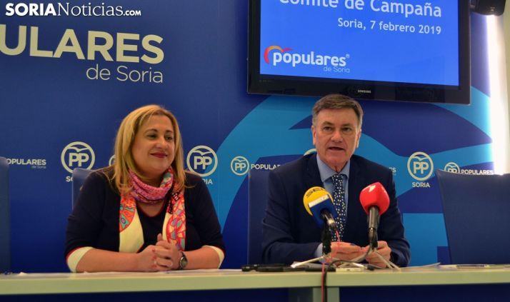 Vázquez y De Gregorio esta tarde en la sede de los populares sorianos. /SN