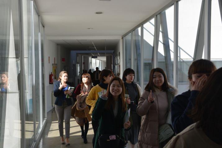 Foto 2 - Las universitarias japonesas de Nutrición se interesan por el Campus