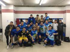 Alegría colegial en los vestuarios del San Andrés tras superar (3-2) al Villamuriel. CD Calasanz