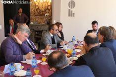 """Foto 5 - Tudanca promete """"más medidas y más financiación"""" y """"menos fotos"""" contra la despoblación"""