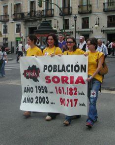 Foto 3 - Así fue la manifestación de la Soria Ya y Teruel Existe en Madrid en 2003
