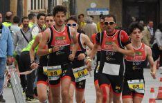 Expedición del Triatlón Soriano durante una competición.