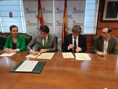 Foto 3 - Se firma el convenio para la construcción de la nueva depuradora en Soria