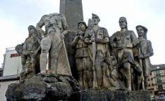 El monumento a Yagüe con la figura del general descabezada. /SN