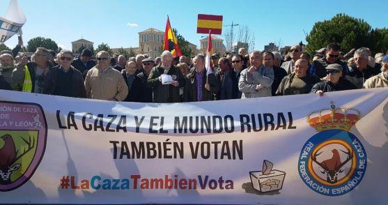 Una imagen de la manifestación frente a la sede parlamentaria regional.