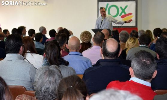 Javier Ortega Smith, en un acto con afiliados y simpatizantes de Vox en Soria el 12 de enero. /SN