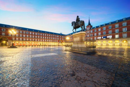 Estatua de Felipe III en la plaza Mayor de Madrid. Imagen de archivo