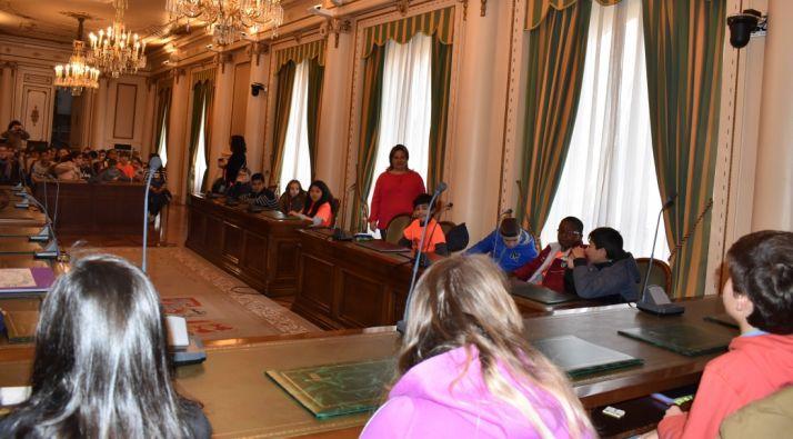 Foto 1 - Alumnos del CEIP Prácticas Numancia visitan la Diputación para aprender a emprender