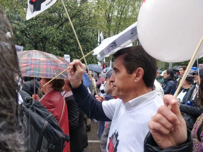 Carlos Martínez Izquierdo, presidente de Caja Rural, en la manifestación. /SN