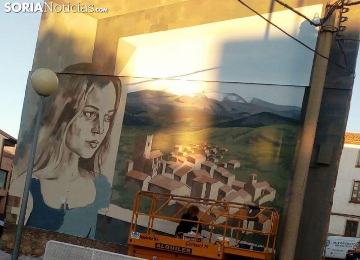 El primero de los murales, en el frontón de La Picota. /SN