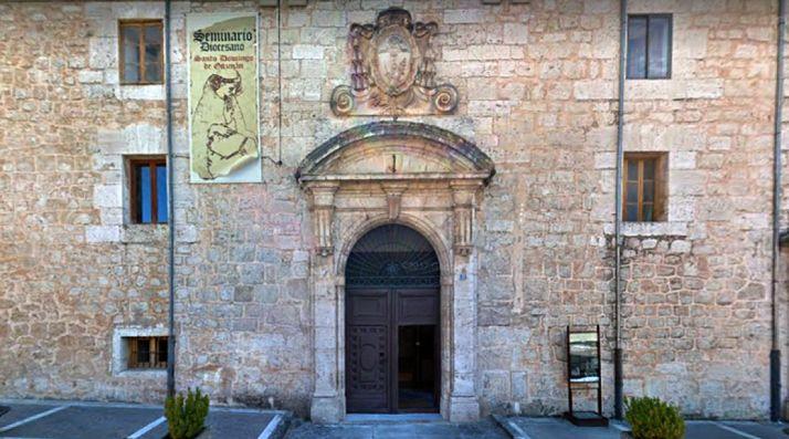 Entrada principal del Seminario diocesano.