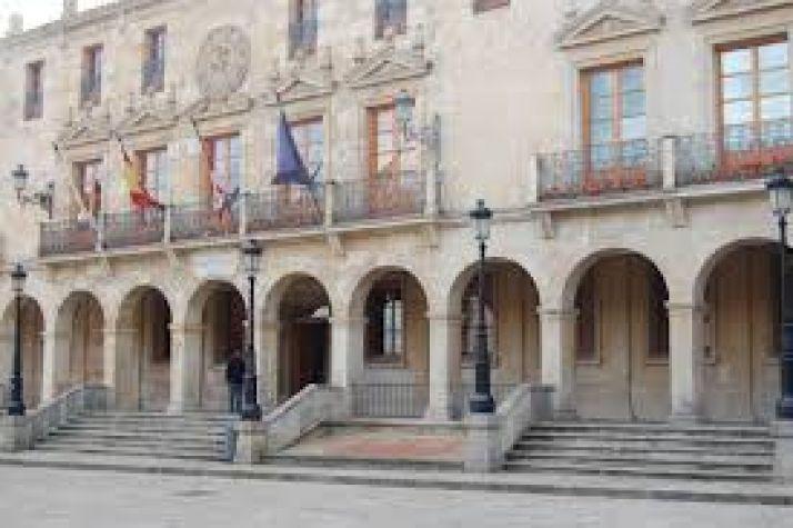 Foto 1 - La Junta de Personal del Ayuntamiento de Soria se concentrará todos los jueves ante el Consistorio