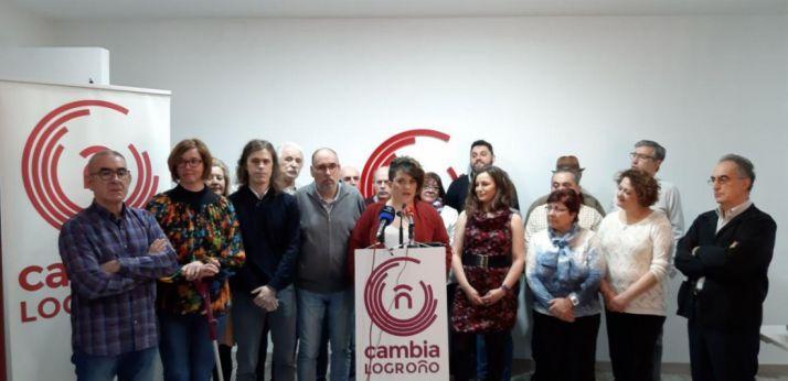 Imágen de familia de Cambia Logroño. @CambiaLogrono