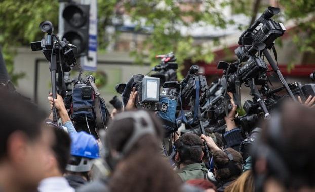 Foto 1 - Las Periodistas Feministas de CyL abogan por cuidar los contenidos en este 8M