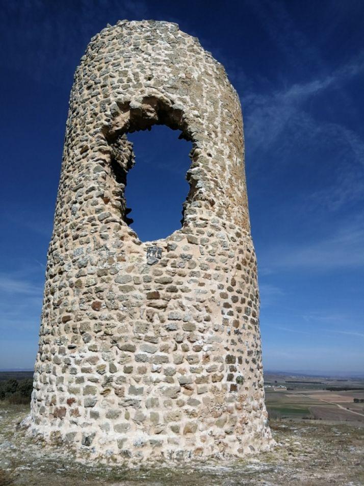 Foto 2 - La atalaya La Torrejalba de Almarail consolida su estructura