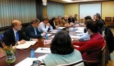 Imagen de la reunión con miembros del PSOE soriano. /CCS