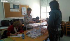 Una mesa electoral en Duruelo. /SN