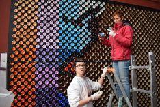 Foto 3 - 2.500 latas para elaborar un mural en el Centro Cívico Bécquer