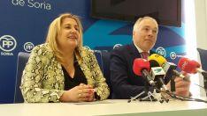 Muñoz y De Gregorio este lunes en rueda de prensa.
