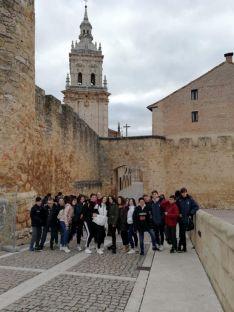 Foto 3 - 50 alumnos del Politécnico visitan el Seminario
