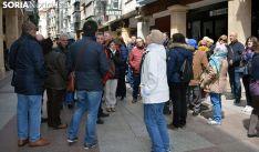 Un grupo de visitantes en la céntrica calle del Collado de la capital. /SN