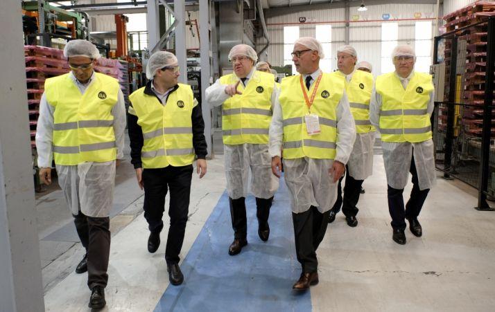 Foto 1 - Herrera vista la fábrica de BA Glass Spain en León