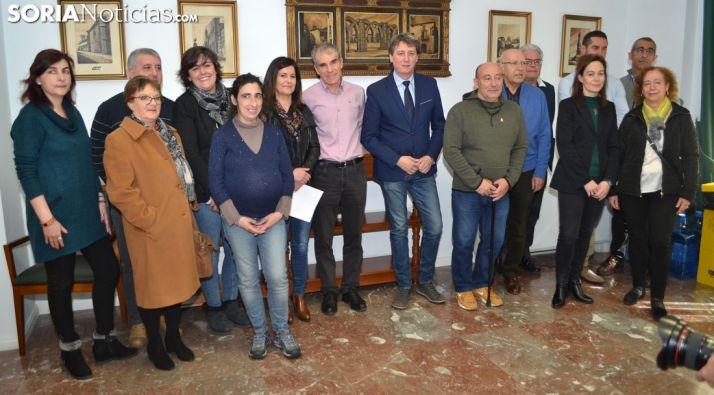 Representantes de las entidades tras la rúbrica de los convenios renovados. /SN