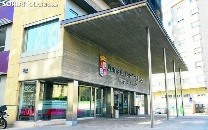 Entrada principal a la sede de la Delegación Territorial de la Junta en Soria. /SN