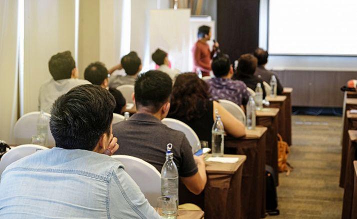 Foto 1 - FOES reconoce con un Sello el papel de 'tutor de empresa' para alumnos de FP Dual