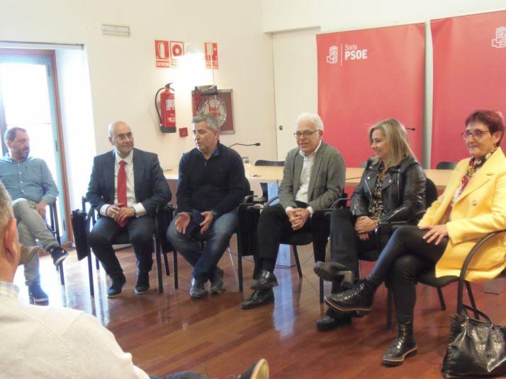 El PSOE propone medidas para eliminar el déficit de profesionales sanitarios