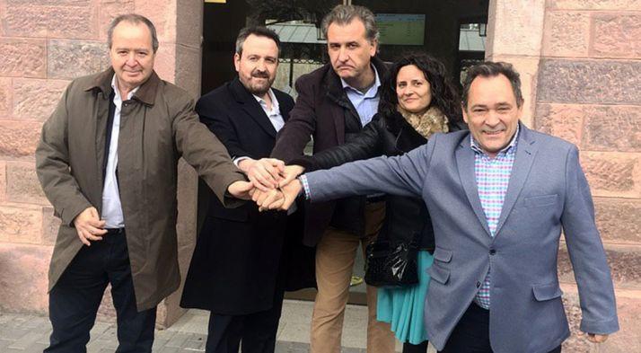 Saturnino de Gregorio (dcha.) este miércoles en Teruel. /Cs