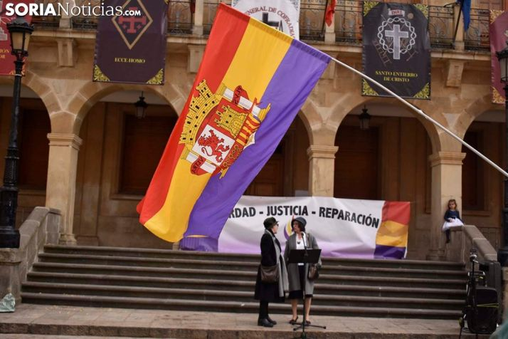 FOTOS: Soria empuña la tricolor en recuerdo de la República