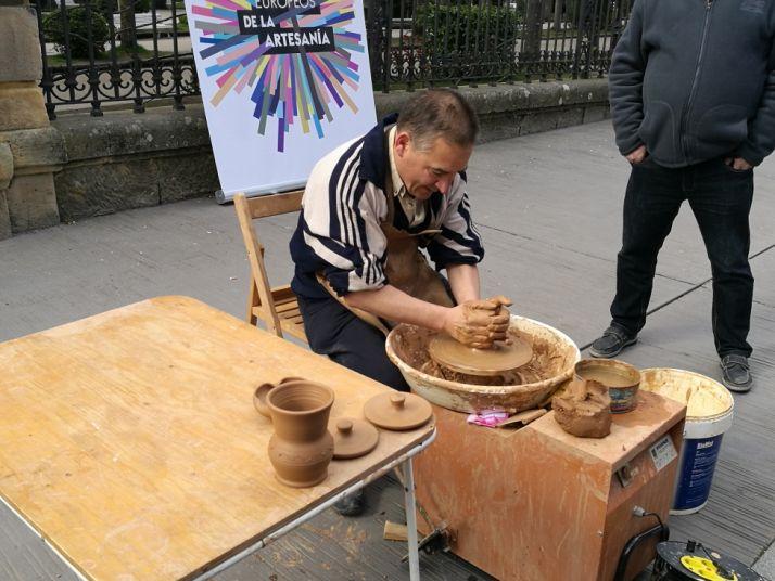 Foto 1 - La Junta y Foacal celebran los VIII Días Europeos de la Artesanía con una treintena de talleres