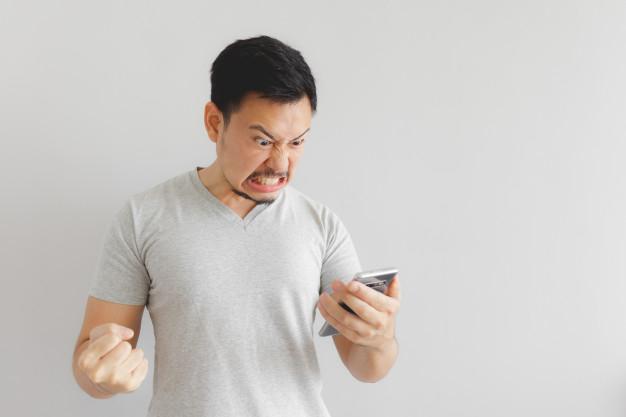 """Foto 1 - Facebook, Instagram y Whatsapp dejan a cientos de sorianos """"colgados"""""""