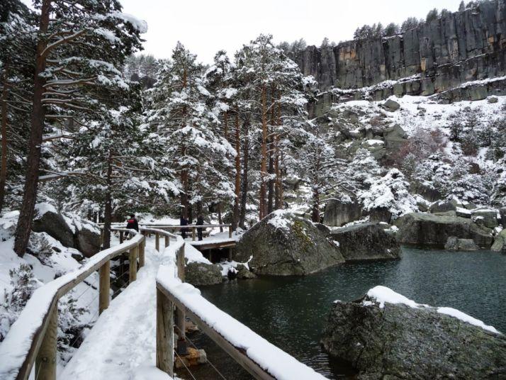 Foto 1 - El acceso a la Laguna Negra está cerrado por nieve en los últimos 4,5 kilómetros
