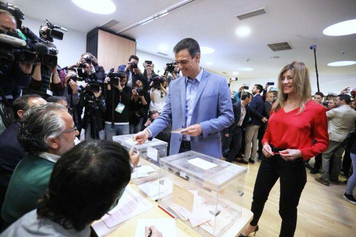 Foto 1 - El PSOE, con  123 diputados, dobla al PP que se queda en 66. El bloque de PSOE-Podemos consigue 167, y el de PP-Cs-Vox 149