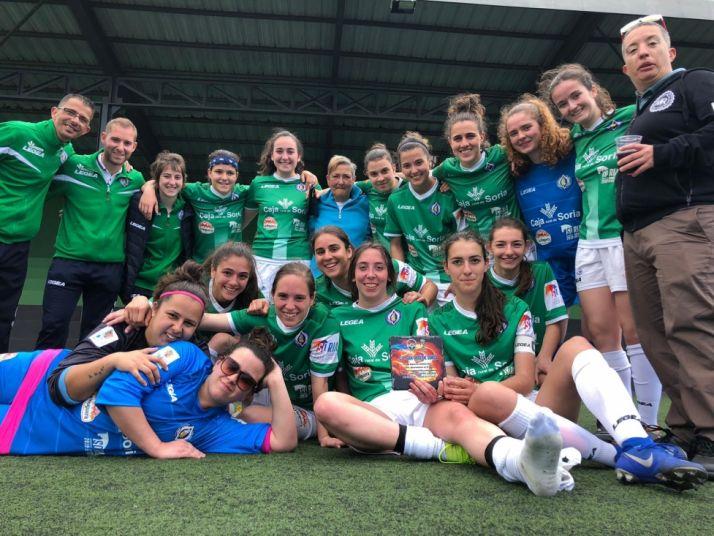 El San José Femenino de fútbol levanta su primera copa al ganar el torneo Carnaval El Paso en La Palma