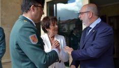 Mercedes Marín, entre Velarde (izda.) y Latorre, este miércoles. /SN