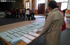 Una imagen del colegio electoral de Covaleda este mediodía, cuando se notaba una gran afluencia de votantes. /SN