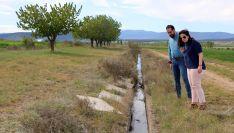 Belén Antón y Ángel Hernández en la zona del Canal de Buitrago.