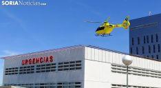 El helicóptero del Sacyl pasado el mediodía en el traslado del herido. /SN