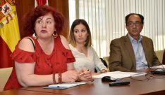 Cristina Escudero, Mª Jesús Cabezudo y Manuel López durante la presentación del plan este miércoles. /Jta.